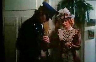 Ein Mädchen angekettet in Handschellen und Ketten an den Füßen pornos mit alten paaren waren zwei Männer in beiden Löchern gleichzeitig intensiv auf beiden Löchern in harten Stil