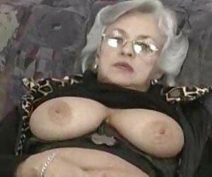 Blonde Mädchen mit wunderschönen Titten sind gerade geboren, um zu tun, und Sie weiß, dass sehr ältere deutsche gefickt gut und Spaß mit zwei Erwachsenen, in alle Löcher und Ausfluss der cum in Mund