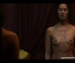 Japanisch mit sexfilme mit reifen deutschen frauen wunderschönen Tattoo sitzt auf einer Hand