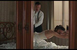 Gelangweilt in einem Dreieck ziehen Sie den See in das Haus deutsche pornos jung und alt für ein heißes und anal-Training