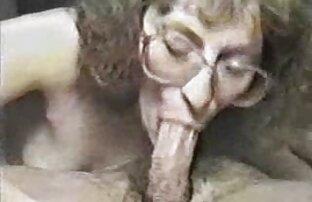 Ein Mann sieht ein Mädchen mit Haaren am Straßenrand und fährt zum Ort seines Gesprächs, er bot ihr 200 Dollar an, damit sie ihn deine Brüste porno reife deutsche sehen lässt, und wenn sie an der frischen Luft sind, Schwanz, von ihm, der von ihm einzieht, und er hat Rauch dringend, und sie stimmt zu, es für 500 Dollar zu tun.