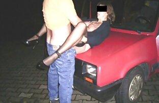 Der Tennislehrer wurde von einer wütenden Frau geborgen, und er fand Trost bei den beiden jungen Mädchen, die ihm eine Schiene gegeben hatten, und dann fickte ihn deutsche sexfilme reife frauen der Hund sanft auf dem Stuhl